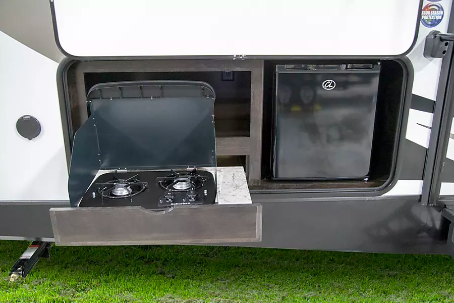 Outdoor cooking with a rental RV
